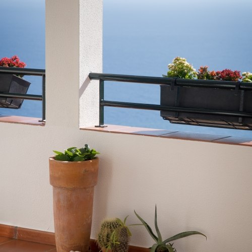 6.Balcony-Flower-Pot-and-Hanging-Flowers-Detail-1